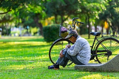 What Are the Challenges that Elderly Face?